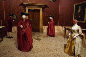 costumi veneziani palazzo Mocenigo a Venezia
