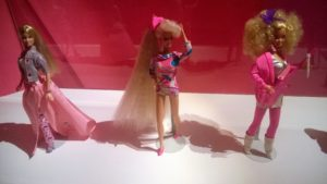 Barbie Superchioma al centro