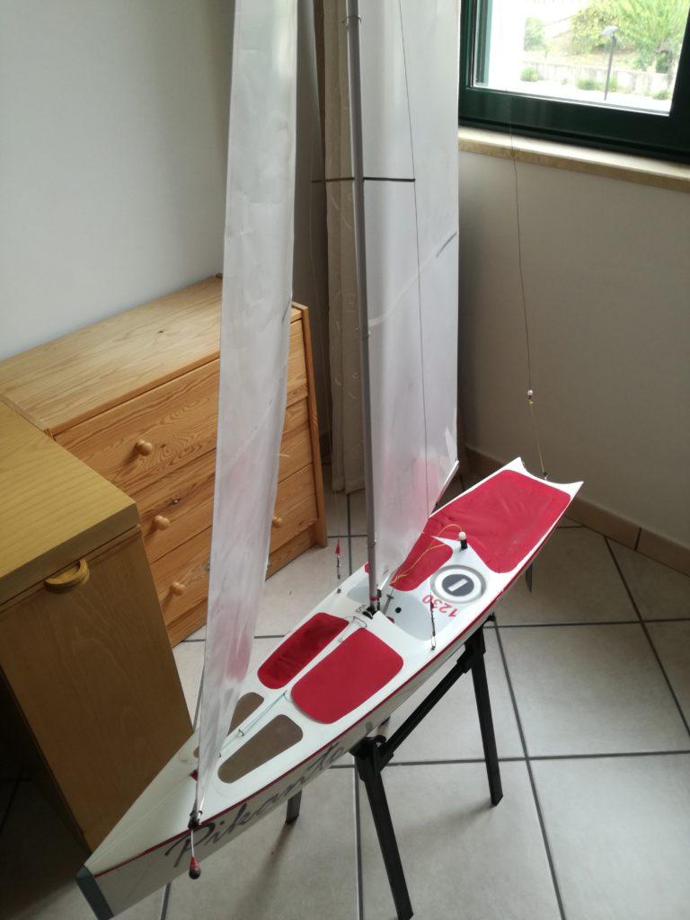 barca a vela telecomandata