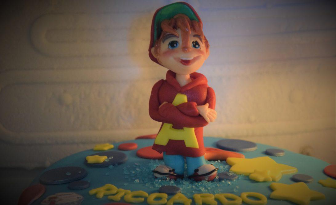 Alvin sulla torta di Riccardo